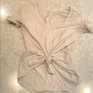 Lululemon shorts sleeve T-shirt white